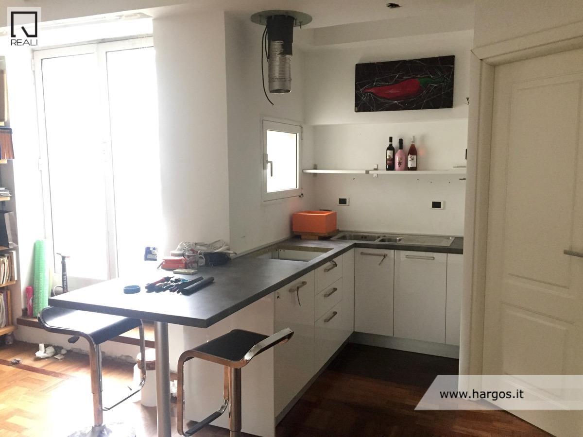 Appartamento in vendita a Roma, 1 locali, zona Zona: 18 . Ardeatino - Grotta Perfetta - Fonte Meravigliosa, prezzo € 87.000 | CambioCasa.it