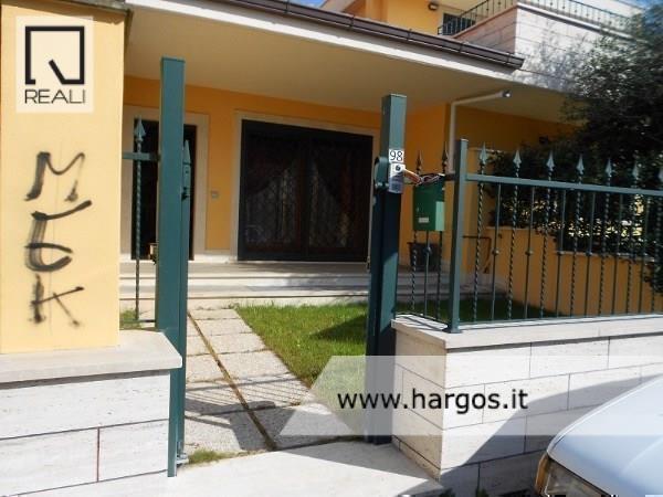 Villa in vendita a Ciampino, 4 locali, prezzo € 279.000 | Cambio Casa.it