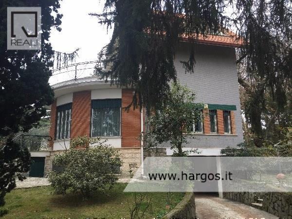 Villa in vendita a Grottaferrata, 9 locali, prezzo € 799.000 | Cambio Casa.it