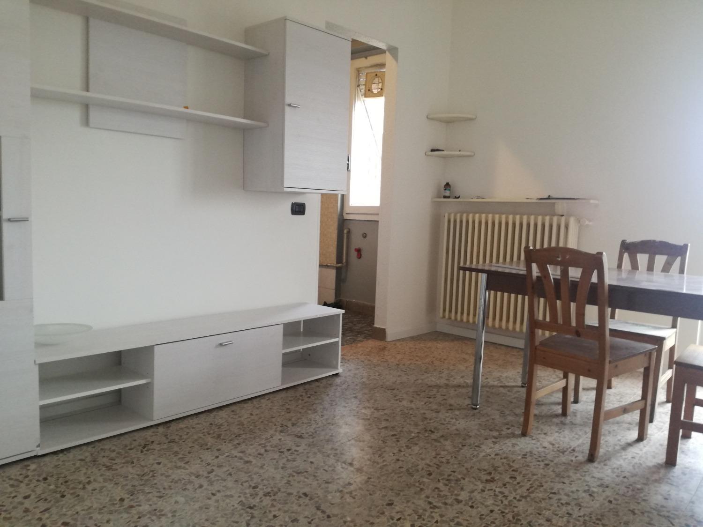 A206 Magenta Zona Nord: 2 locali arredato + box € 550