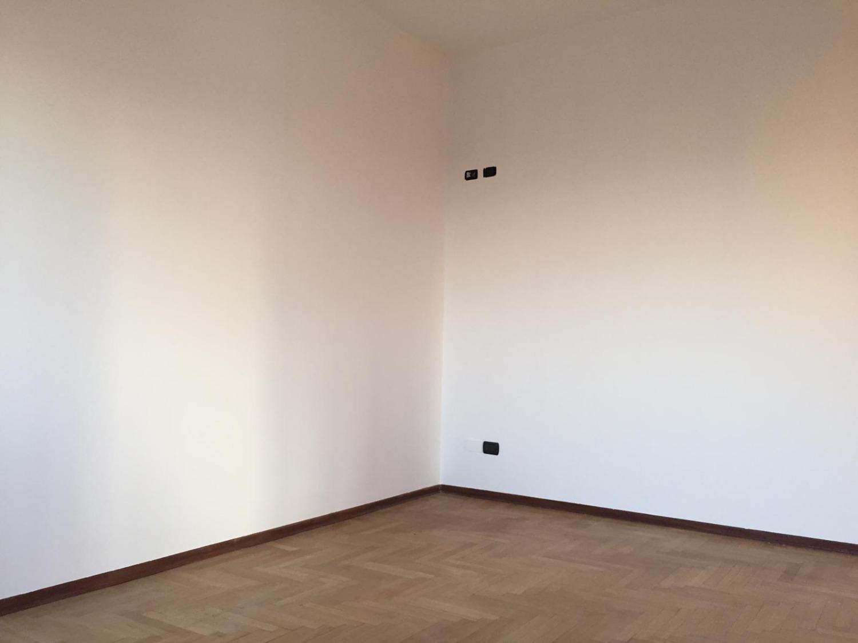 T315 BOFFALORA : 3 locali con box  € 85.000