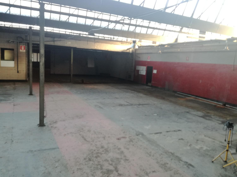 CENTRO -  Loc.Commerciale 4 locali € 600 LA404