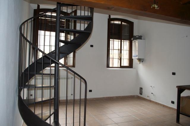T497 Boffalora: 3 locali in corte € 103.000