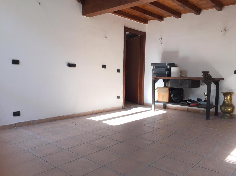 T497 Boffalora: 3 locali in corte € 99.000