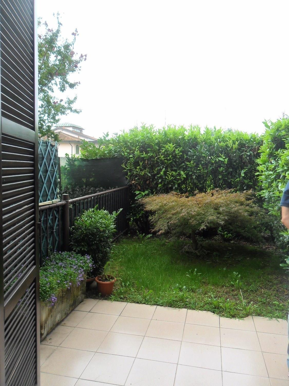 T001 MAGENTA:  MONOLOCALE + giardino €. 49.000