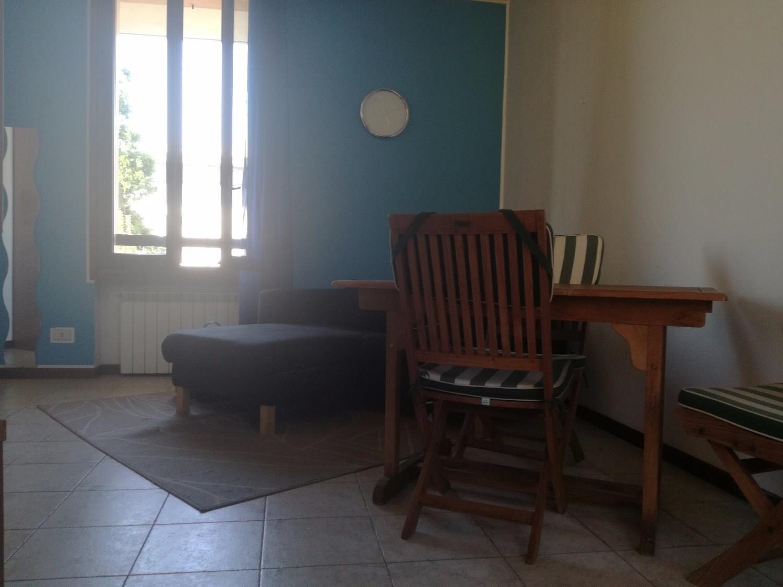 Rif. A2279 CORBETTA - 2 LOCALI ARREDATO € 470