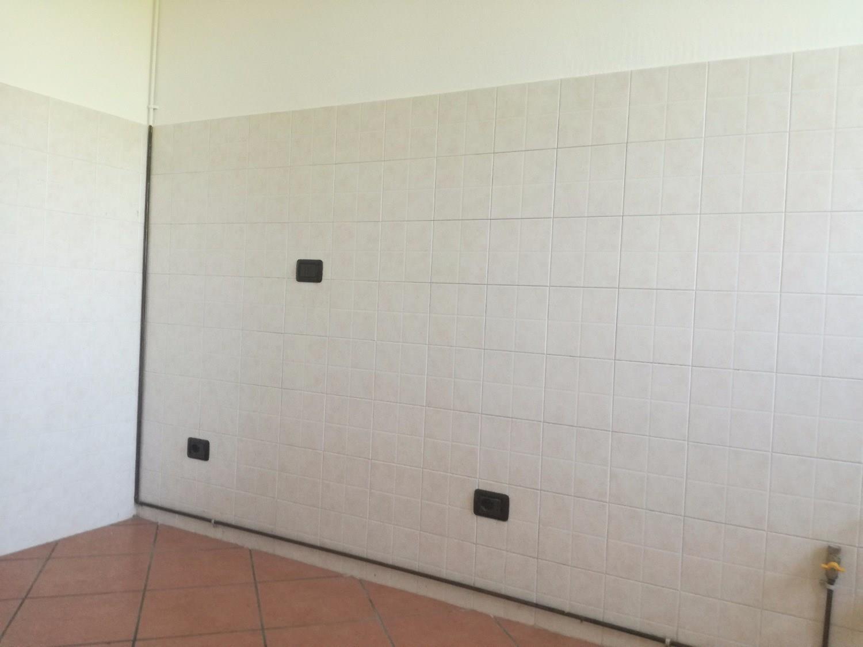 ROBECCO S/N -  3 LOCALI IN CORTE € 97.000 - T3232