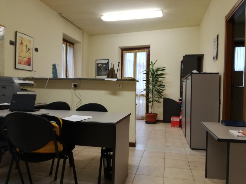 Rif. UA303 Magenta zona Stazione - Ufficio € 550