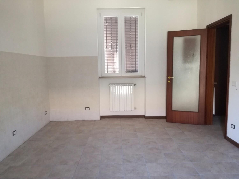 T3259 CORBETTA: Casa semindipendente € 140.000