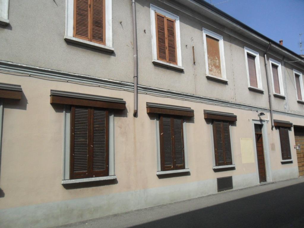 T486 Magenta San Rocco CASA + Locale commerc € 440.000