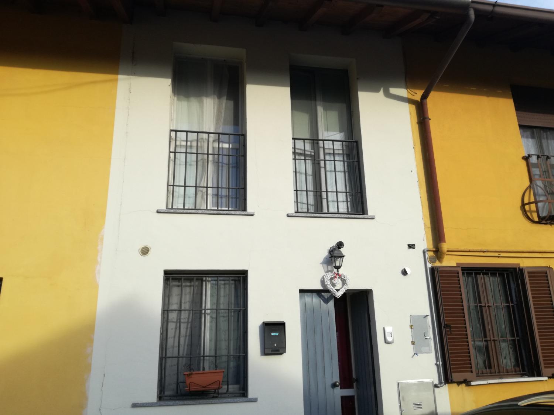 Rif. T2148 ROBECCO S/N - CASA DI CORTE - € 71.000