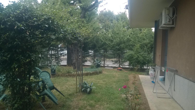 A2301 Magenta: Bilocale arredato con giardino € 600