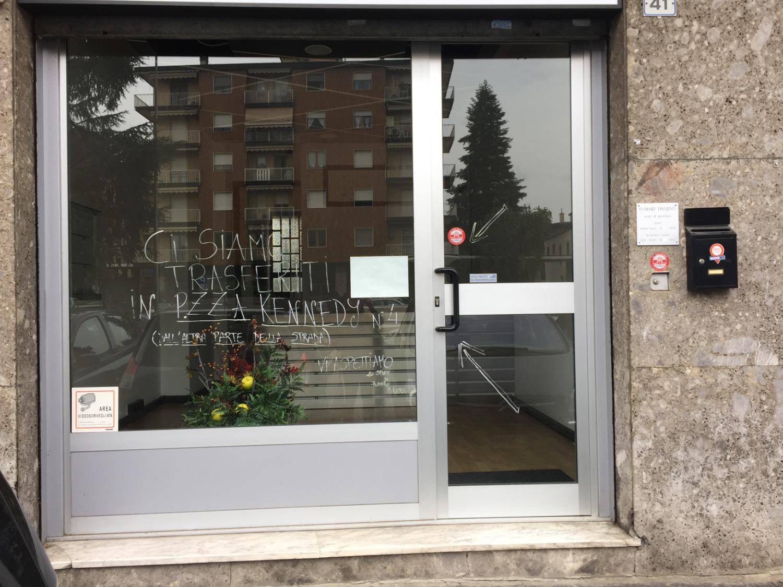 NA214 Magenta P.zza Kennedy Negozio con vetrina € 600