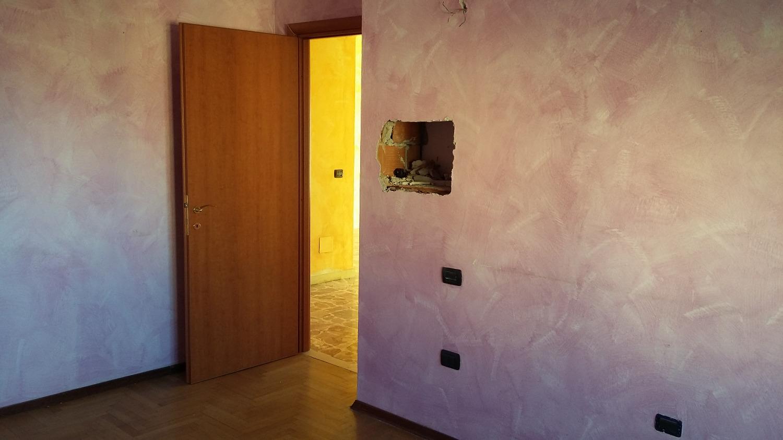 T3164 BOFFALORA : 3 locali con box  € 85.000