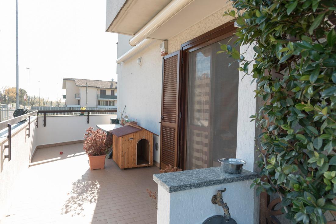 T2155 MESERO Bilocale + giardino + box Tratt Riservata