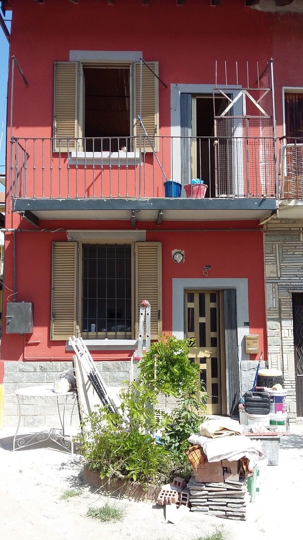 T2172 MAGENTA Ad.ze Stazione Casa di Corte € 49.000
