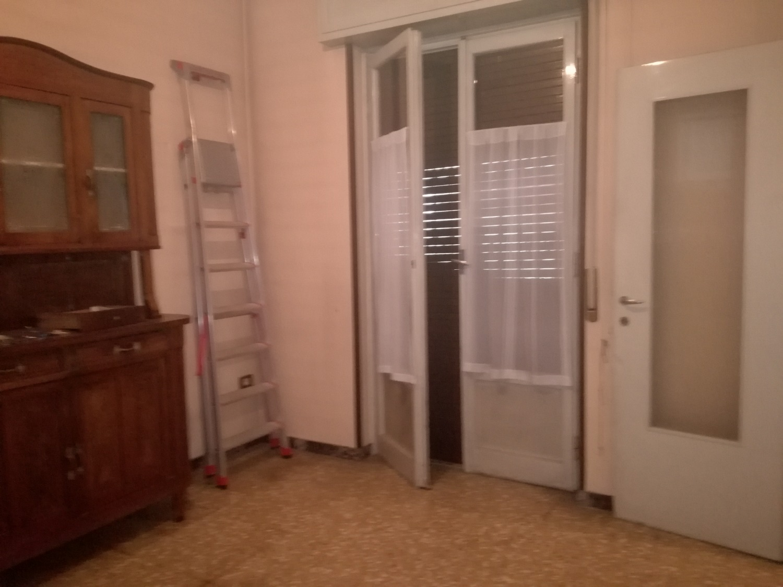T3291 Magenta Centro: 3 locali con cantina € 69.000