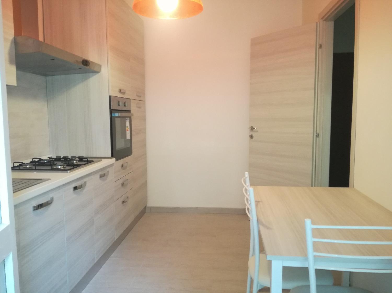A202 Magenta Centro: 2 locali con cucina arredata € 500