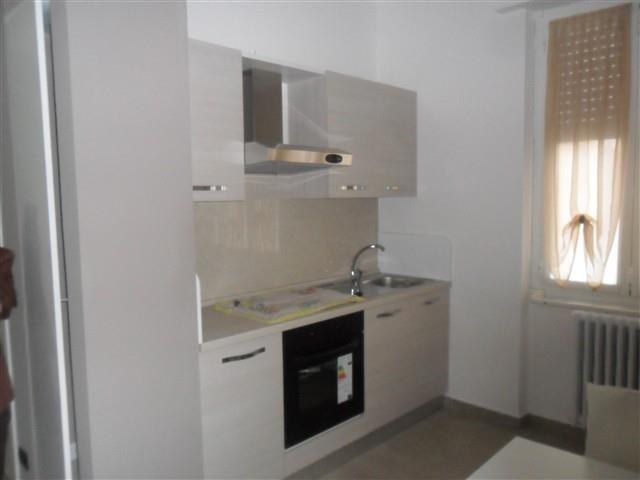 Rif A021 MAGENTA: MONOLOCALE Arredato + box € 480
