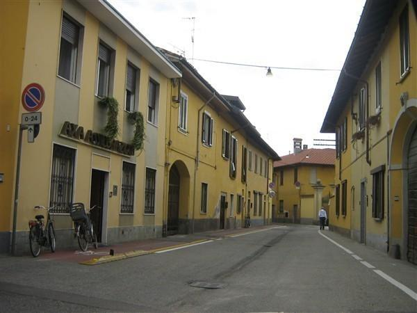 A203 Corbetta: IN CORTE Bilocale arredato € 550