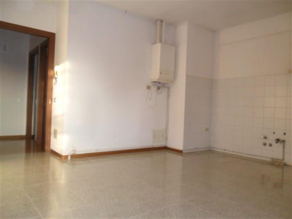 CENTRO -  In corte 2 locali € 500 A2173