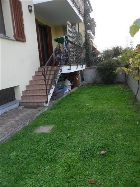 CORBETTA - BILOCALE con GIARDINO ARREDATO € 500 A2206