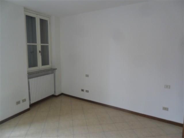ISOLA -  Appartamento 2 locali € 500 A2269