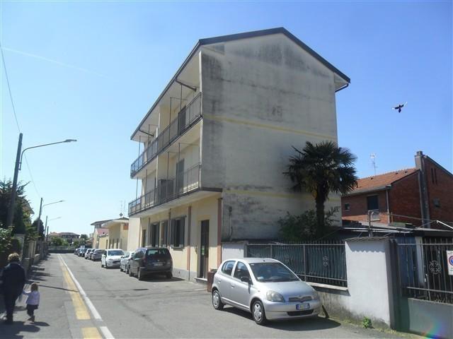MARCALLO - 2 LOCALI VUOTO € 350 - A2274