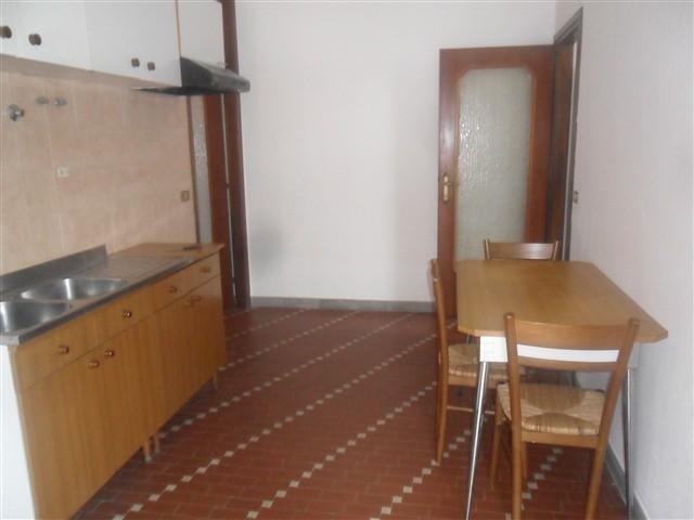 MAGENTA Zona Nord - 2 LOCALI ARREDATO € 450 - Rif A2282