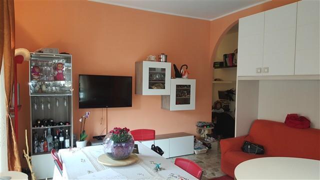 Rif. A2292 - MAGENTA BILOCALE ARREDATO + BOX - € 450