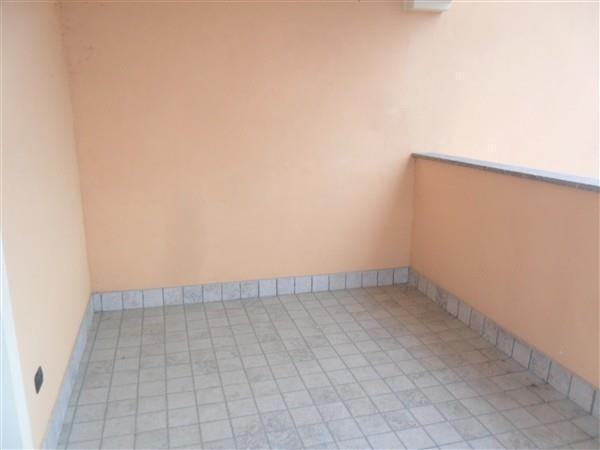 Rif. A249 MESERO -  BILOCALE con TERRAZZO - € 500