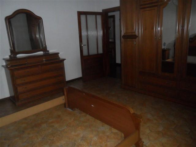 Magenta Villa in affitto 4 Locali € 800 A423