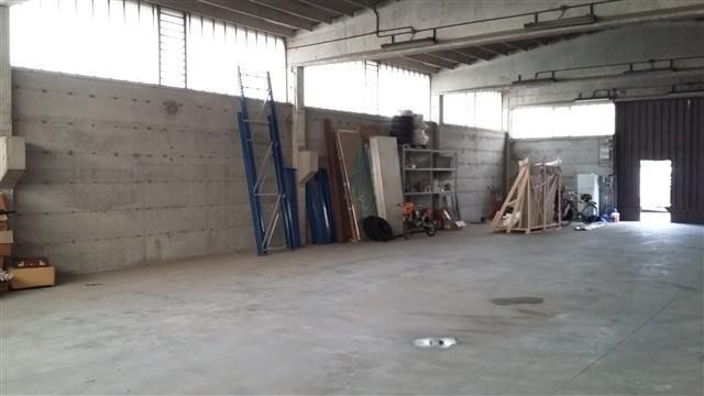MAGENTA: CAPANNONE ARTIGIANALE 400 mq € 1.200 CA901