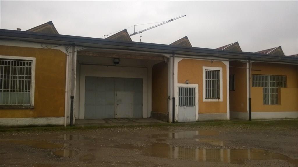 Rif. CA903 Magenta: CAPANNONE 690 mq - € 1.500