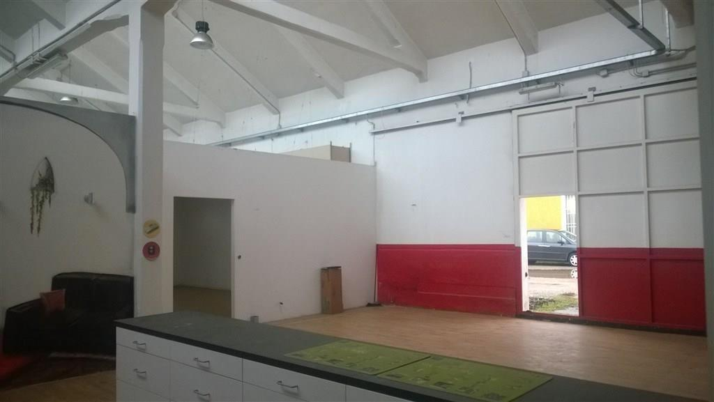 Rif. CA917 Magenta: CAPANNONE 350 mq  € 1.300