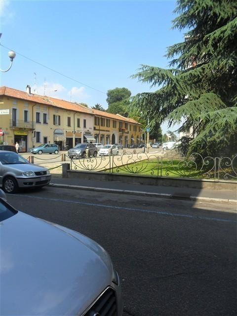 Magenta Negozio / Locale comm. 3 Locali € 800 LA316