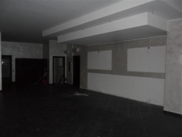 CENTRO -  Loc.Commerciale 5 locali € 2.083 LA510