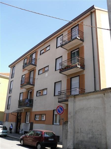Rif T2106 Magenta: 2/3 LOCALI € 66.000