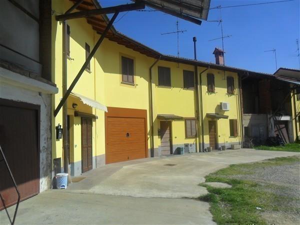 T2120 Cerello di Corbetta: Rustico/fienile € 27.000