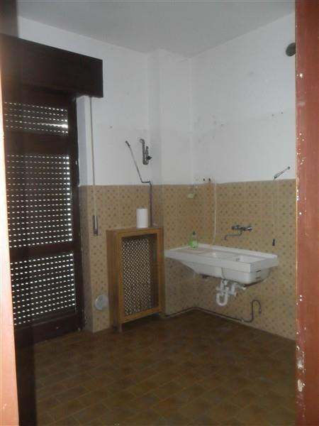 Rif T3149 MAGENTA: STAZIONE -  3 locali+box € 96.000