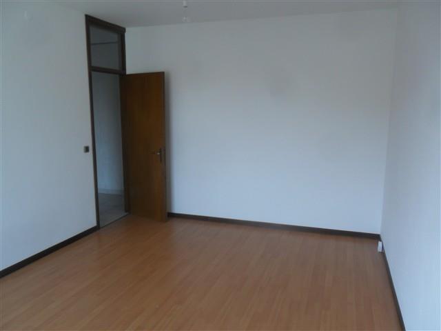 T524 Cuggiono: Appartamento 5 locali € 110.000
