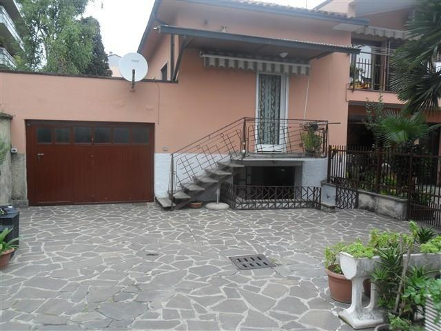 MAGENTA - Vic. Ospedale CASA BIFAMILIARE € 185.000 T520