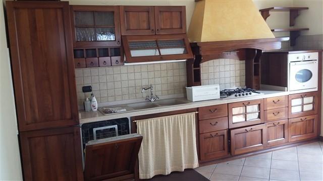 T615 CORBETTA - VILLA BINATA recente - € 270.000