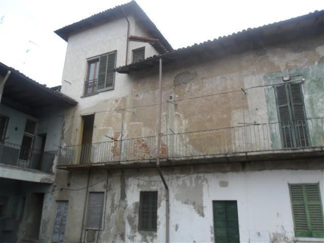 FIUME NAVIGLIO -  Soluzioni indip 9 locali € 340.000
