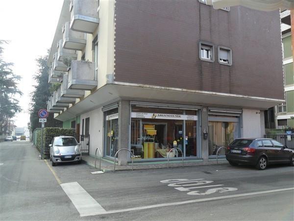 Rif LA221 Corbetta negozio 56 mq € 600