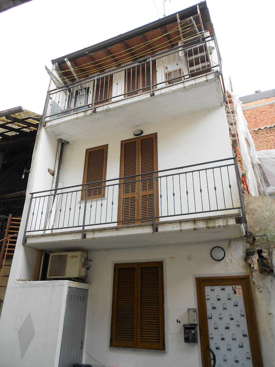 T311 GALLIATE - CASA DI CORTE