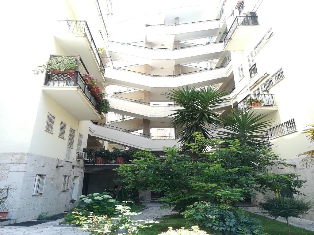 EUR -  Appartamento 5 locali € 647.000 T505