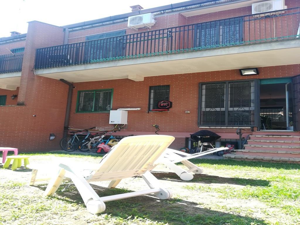 Villaggio Azzurro -  Appartamento 9 locali € 419.000 T901