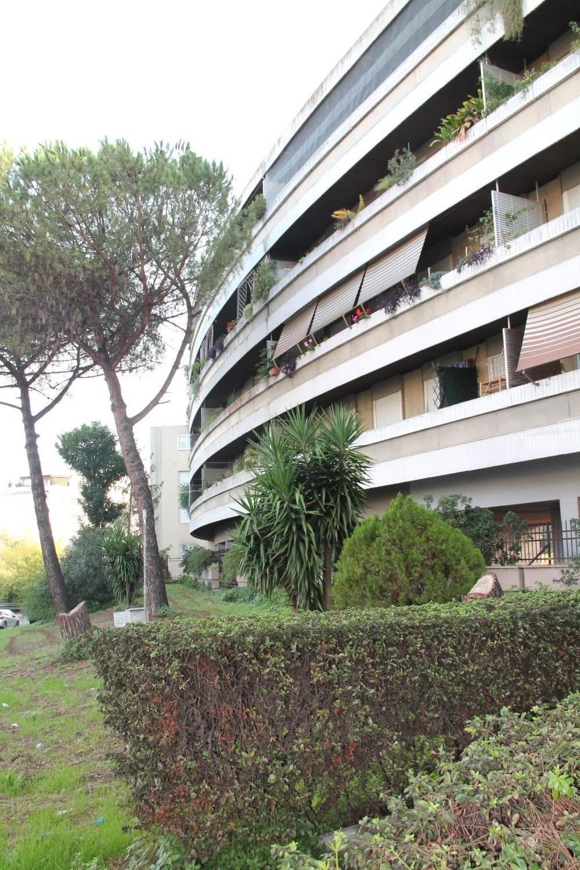 Spinaceto -  Appartamento 4 locali € 220.000 T408