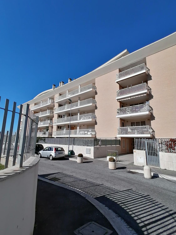 Altamira –   2 locali  € 169.000 con box T203